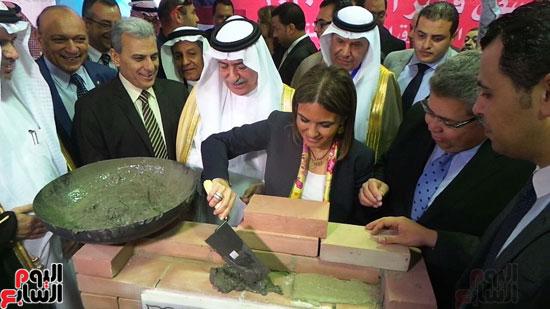 وزير المالية السعودى يضع حجر الأساس لتطوير قصر العينى (5)