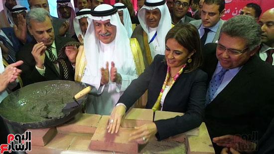وزير المالية السعودى يضع حجر الأساس لتطوير قصر العينى (7)