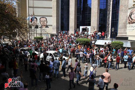 المظاهرات أمام نقابة الصحفيين احتجاجاً على تعيين الحدود (1)
