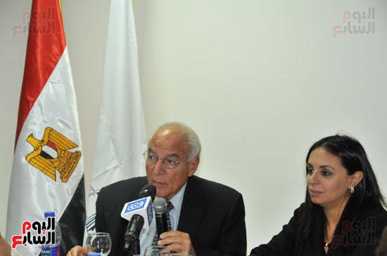 زيارة العالم فاروق الباز للمجلس القومى للمرأة (1)