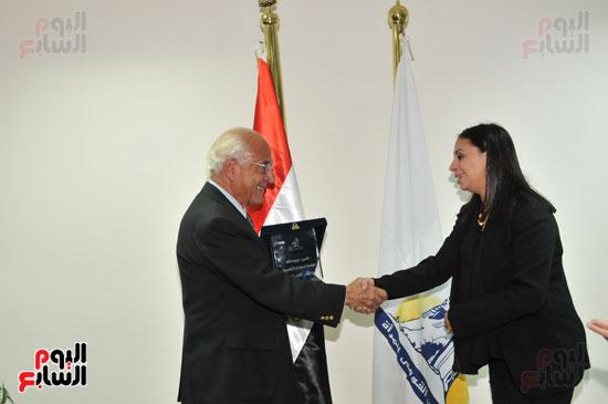 زيارة العالم فاروق الباز للمجلس القومى للمرأة (2)