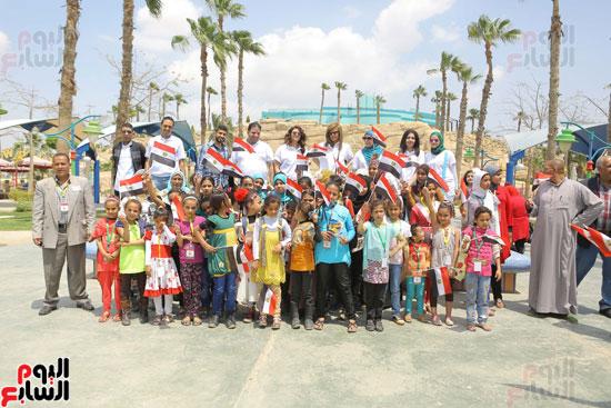 1-3حديد المصريينتستكمل احتفالات يوم اليتيم برحلة لـ100طفل من القليوبية (6)