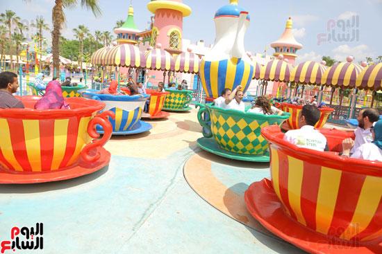 1-3حديد المصريينتستكمل احتفالات يوم اليتيم برحلة لـ100طفل من القليوبية (9)