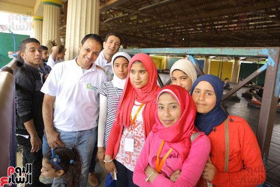 1-3حديد المصريينتستكمل احتفالات يوم اليتيم برحلة لـ100طفل من القليوبية (10)