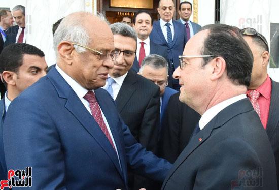 الرئيس الفرنسى يزور مقر مجلس النواب وعلى عبد العال فى استقباله (1)