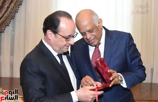 الرئيس الفرنسى يزور مقر مجلس النواب وعلى عبد العال فى استقباله (11)