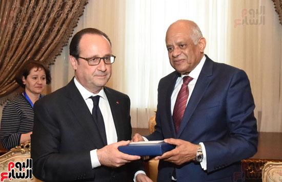 الرئيس الفرنسى يزور مقر مجلس النواب وعلى عبد العال فى استقباله (13)
