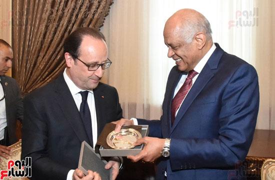 الرئيس الفرنسى يزور مقر مجلس النواب وعلى عبد العال فى استقباله (14)