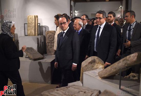 فرانسوا هولاند  يزور المتحف القبطى ويؤكد مصر بلد الأمن والتسامح (1)