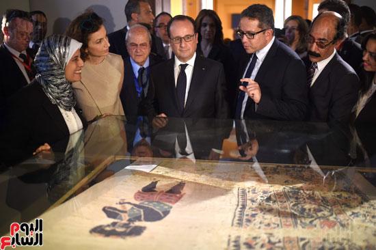 فرانسوا هولاند  يزور المتحف القبطى ويؤكد مصر بلد الأمن والتسامح (3)