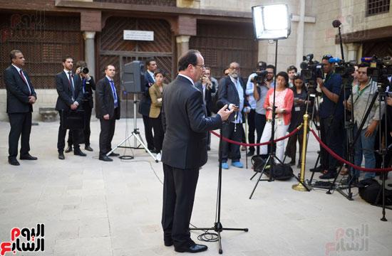 فرانسوا هولاند  يزور المتحف القبطى ويؤكد مصر بلد الأمن والتسامح (7)
