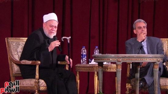 الدكتور-على-جمعة-بندوة-جامعة-القاهرة-(1)