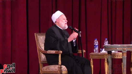 الدكتور-على-جمعة-بندوة-جامعة-القاهرة-(2)