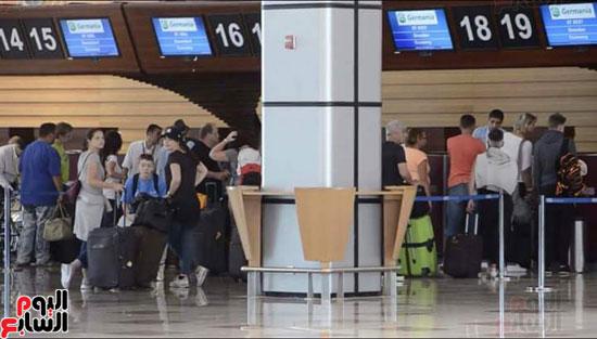 السياح بمدينة مرسى علم (5)