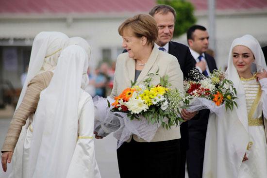ميركل تزور اللاجئين بتركيا (3)