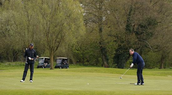 اوباما ، ديفيد كاميرون ، بريطانيا ، امريكا ، الاتحاد الاوروبى ، جولف ، مباراة جولف (8)
