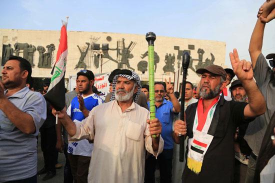العراقيين يتظاهرون بساحة التحرير بقلب بغداد (4)