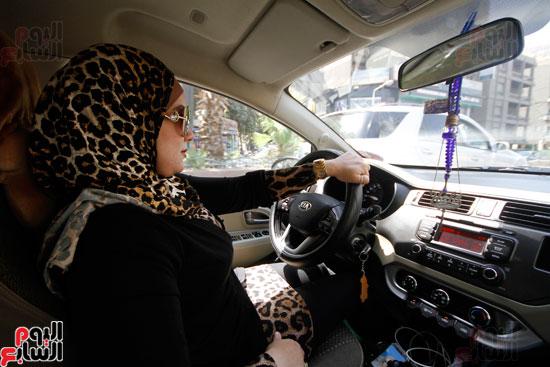 هالة بتشتغل سواق تاكسى بشياكة (6)