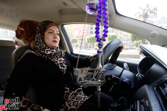 هالة بتشتغل سواق تاكسى بشياكة (7)