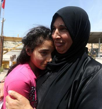 الإفراج عن أصغر أسيرة فلسطينية فى سجون الاحتلال الإسرائيلى (1)