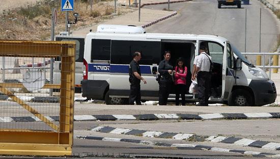الإفراج عن أصغر أسيرة فلسطينية فى سجون الاحتلال الإسرائيلى (6)