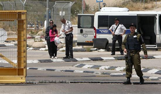 الإفراج عن أصغر أسيرة فلسطينية فى سجون الاحتلال الإسرائيلى (7)
