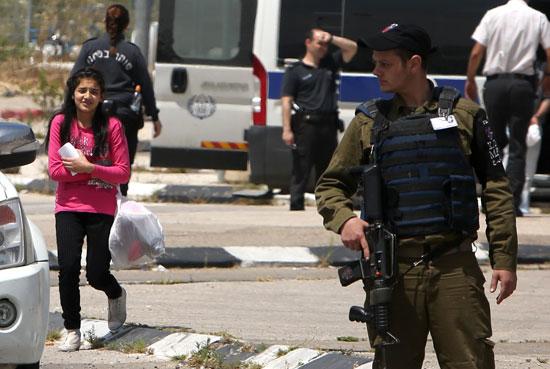 الإفراج عن أصغر أسيرة فلسطينية فى سجون الاحتلال الإسرائيلى (9)