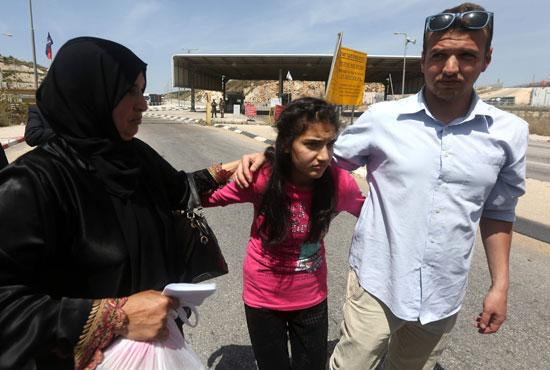 الإفراج عن أصغر أسيرة فلسطينية فى سجون الاحتلال الإسرائيلى (13)