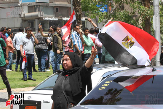 احتفالات المواطنين بذكرى تحرير سيناء (5)