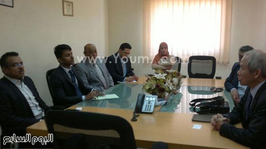 سفير سنغافوره فى زيارة لميناء الإسكندرية (2)