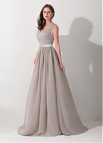 c21b5cbd53d96 أما الحيرة الثانية التى تقع فيها هى لون الفساتين، فالكثير من السيدات لا  يمتلكن القدرة الكافية على اختيار لون الفستان المناسب، ولذلك نقدم لكِ 10 فساتين  سهرة ...