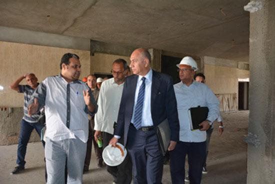 لجنة-بنك-الاستثمار-بجامعة-أسيوط-(1)