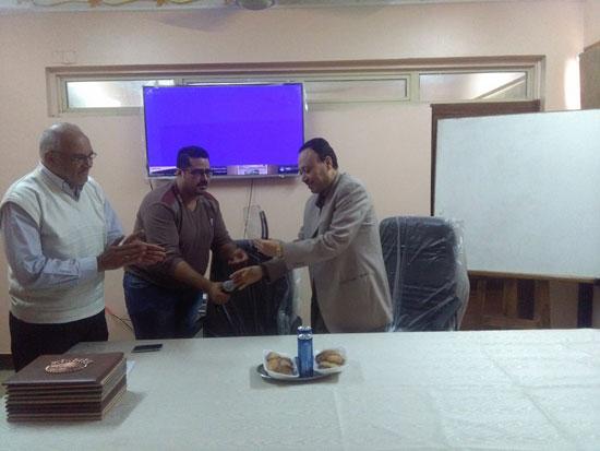 حفل توزيع شهادات اجتياز الدورة التدريبية بصحة بنى سويف (8)