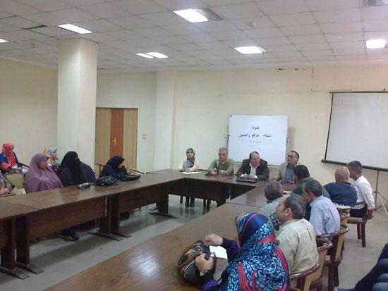 إعلام العريش ينظم ندوة سيناء الواقع والمأمول (1)
