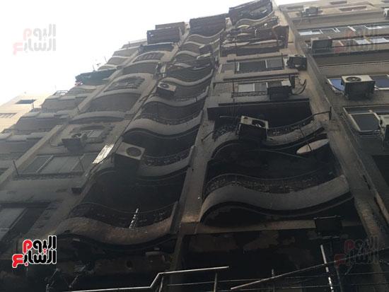 حريق معرض السيارات فيصل الهرم معرض سيارات مطافى (2)