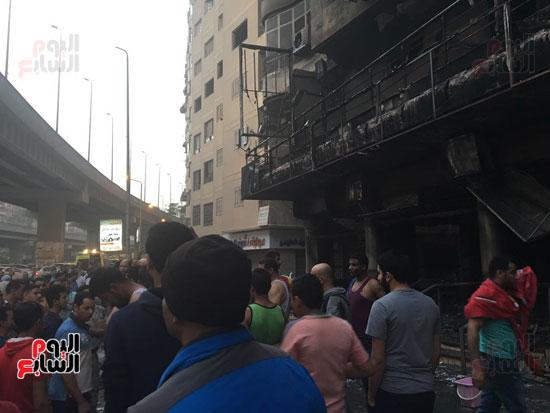 حريق معرض السيارات فيصل الهرم معرض سيارات مطافى (3)