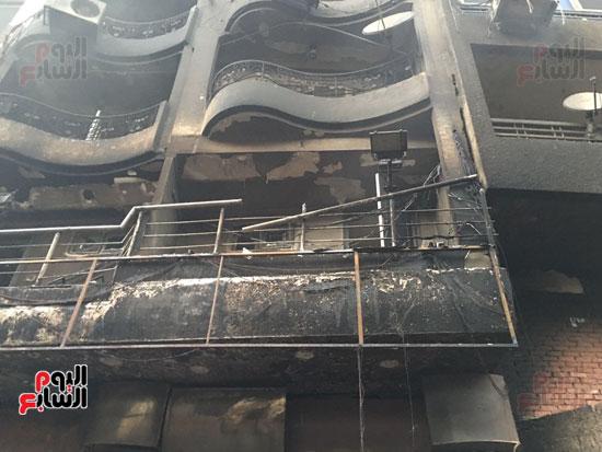 حريق معرض السيارات فيصل الهرم معرض سيارات مطافى (10)