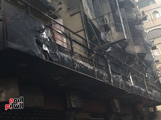 حريق معرض السيارات فيصل الهرم معرض سيارات مطافى (11)