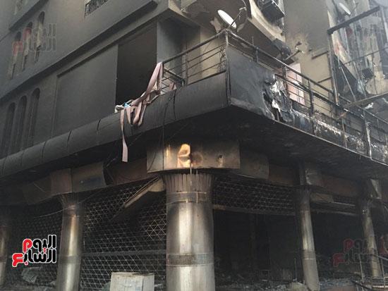 حريق معرض السيارات فيصل الهرم معرض سيارات مطافى (12)