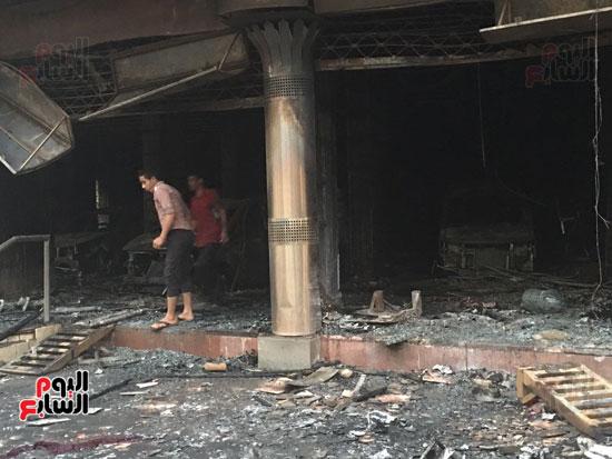 حريق معرض السيارات فيصل الهرم معرض سيارات مطافى (14)