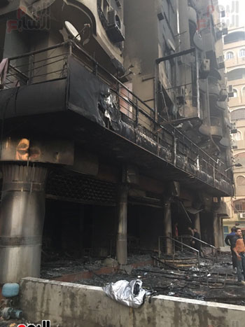 حريق معرض السيارات فيصل الهرم معرض سيارات مطافى (15)