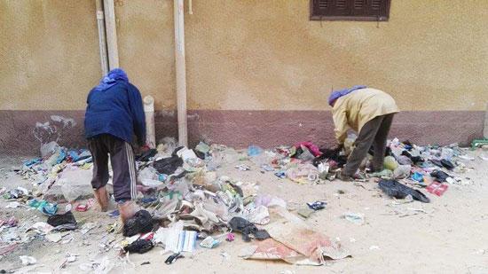 مجلس مدينة العريش يواصل حملات تنظيف الأحياء (5)