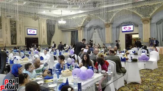 القوات المسلحة تنظم احتفالية فنية لأسر الشهداء وأبنائهم فى إطار احتفالات يوم اليتيم (3)
