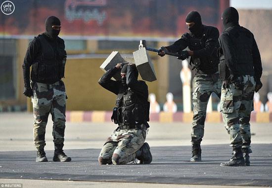 تدريبات-القوات-الخاصة-السعودية-(4)