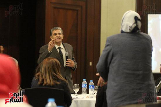 وزير البيئة ، النائبة شيرين فراج ، مشادة كلامية ، الدكتورة عبلة عبد اللطيف ، مستشارة الرئيس (1)