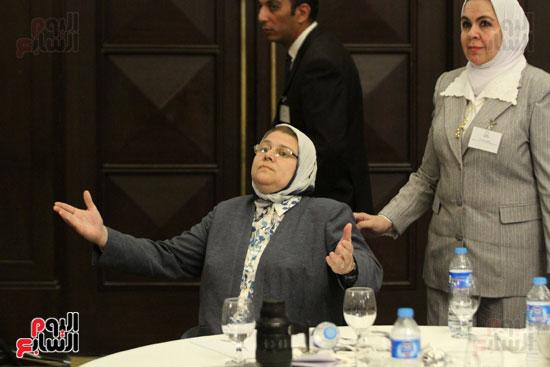 وزير البيئة ، النائبة شيرين فراج ، مشادة كلامية ، الدكتورة عبلة عبد اللطيف ، مستشارة الرئيس (5)
