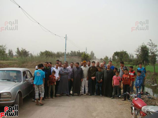 عدم استكمال رصف طرق قرى لمبة بالدقهلية (3)