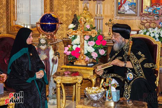 اخبار مصر اليوم  امل القبيسى البابا تواضروس رئيسة المجلس الوطنى الاتحادى بالامارات الكاتدرئية المرقسية (8)