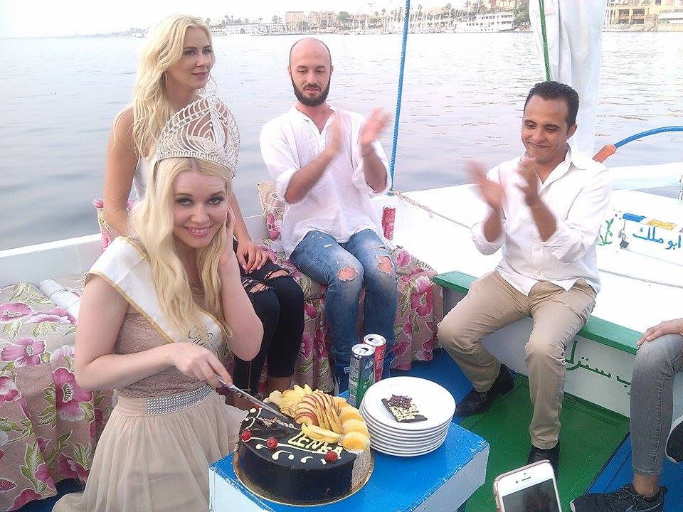 ملكة جمال السياحة الاوروبية تحتفل بعيد ميلادها (3)
