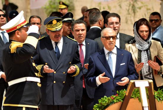الرئيس التونسى يزور بن قردان بعد شهر على هجمات إرهابية دامية (1)